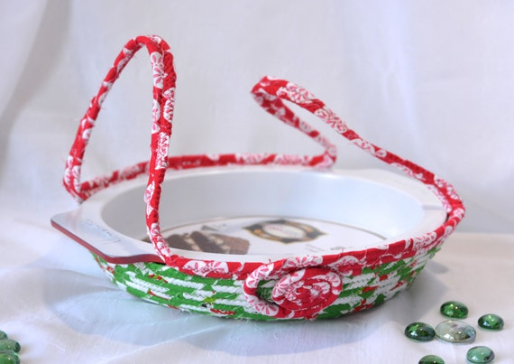Christmas Pie Carrier, Handmade Holiday Basket, Cookie Dessert Caddy, Christmas Bread Basket, Decorative Holiday Basket, Decoration