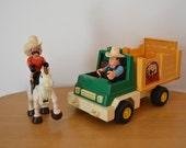 Fisher Price Husky Helpers Rodeo Truck