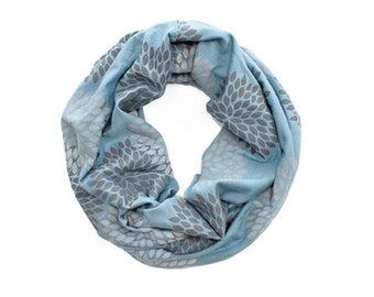 MINI INFINITY SCARF - Screen Printed - Gray Double Flowers on Cornflower Blue