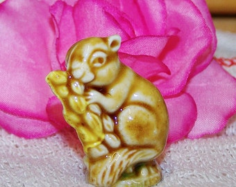 Wade Whimsie Field Mouse -- English Whimsies Set  -- Wade Figurines -- Wade Collectables -- Wades -- Wade Field Mouse