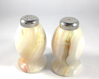Salt and Pepper Set Vintage Albaster Salt and Pepper Shakers Retro Salt and Pepper Vintage Kitchen Vintage Dining