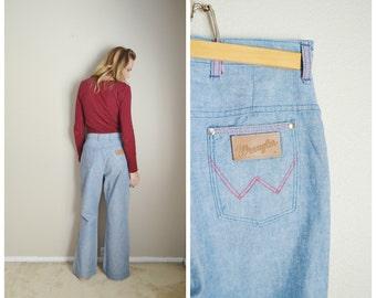 Vintage 60s 70s Light Wash Wrangler Denim Jeans // womens 28x30- high waisted