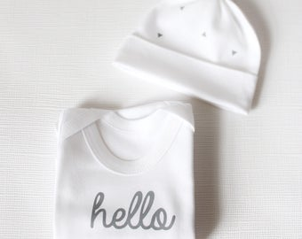 HELLO baby gift, white cotton baby bodysuit and hat gift set, hand printed baby vest, new baby gift
