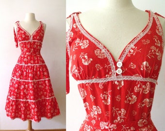 SUMMER TIME Red Carnations Sundress ~ 1950's Summer Dress with Lace and Belt ~ Size: Small