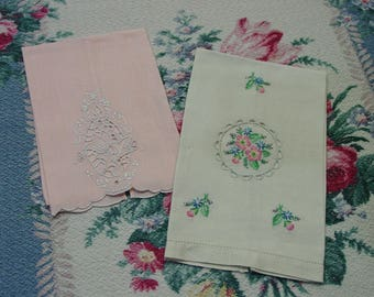Vintage Guest Towels Pretty Pair Cutwork, Embroidery Madeira Linen