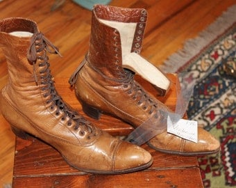 RESERVED S.S.1 Antique Vtg. Edwardian Womens Lacer Boots Lacers size 7? Steampunk