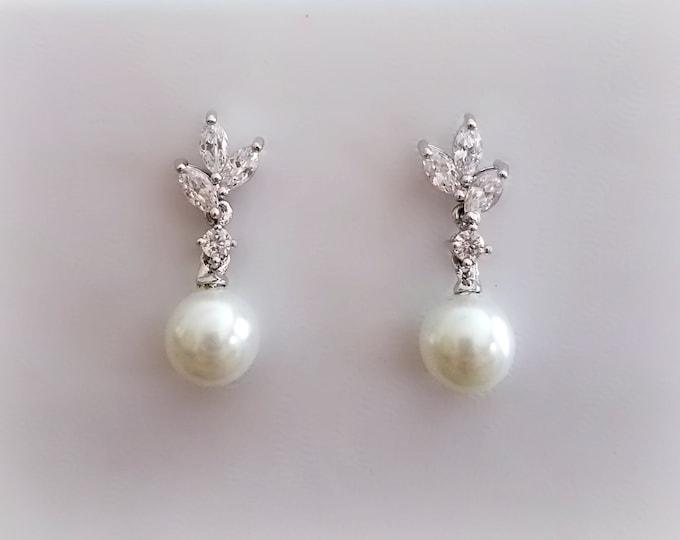 Cubic Zirconia Pearl Earrings, Bridal Earrings, Wedding Earrings, Jewelry, Accessories, Rhinestone Earrings, Silver Crystal Earrings,