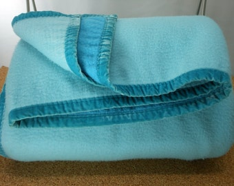 Vintage Aqua Polyester Blanket Reversible Velveteen Binding