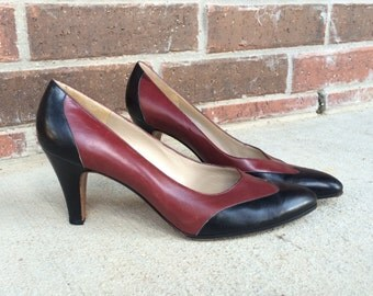 vtg 80s burgundy FERRAGAMO leather WINGTIP HEELS pumps 6.5 Italian spectator oxford navy blue shoes womens