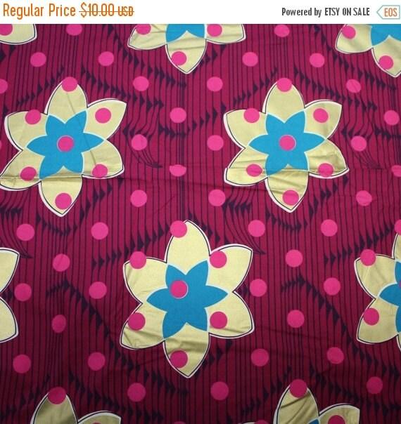Gold Metallic flower fabric,Fuchsia fabric,Apparel fabric,Home Decor fabric,Cotton blend fabric,Dress fabric,Skirt fabric,Fabric by the YAR