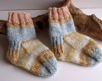 Unisex  hand knitted baby boy or girl self patterning socks.  9 to 18 months. UK 3  EU 19  US 3.5
