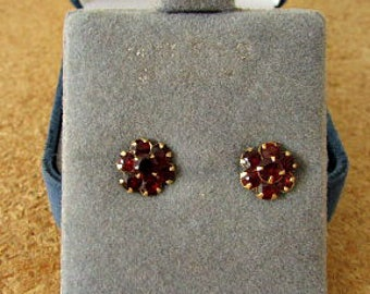 vintage 70s garnet cluster earrings 14k yellow gold flower stud earrings free shipping