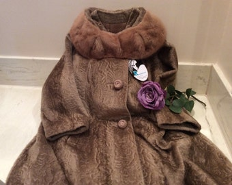 Vintage  Bacara by Sportowne Faux Fur Sand Color Fifties Coat with Mink Collar, Vintage Fur Coat, Vintage Mink Collar Coat, Fifties Coat
