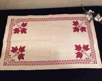Vintage Ivory Cotton with Red Embroidered Table Buffet Cover, Vintage Bureau Scarf, Vintage Embroidery, Vintage Linens