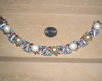 Vintage Sarah Coventry Alaskan Summer Bracelet With Faux Pearls 1960's Signed Jewelry 8003