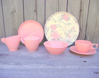 Melamine Bridal Rose SERVICE for 8 - 35 Piece Set UNUSED in Box - Pink Spaulding Ware - Retro Chic Vintage Wedding