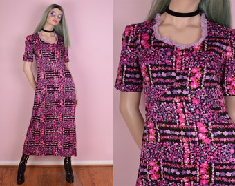 70s Floral Print Maxi Dress/ Small/ 1970s/ Vintage/ Short Sleeve