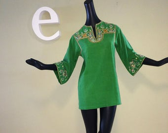 Vintage 60s Hippie Boho Tunic Top 1960s Green Cotton Bell Sleeve Indian India Embroidered Elephants Quality from Lord & Taylor Deliwala  SM