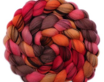 Hand painted roving - 21.5μ Merino wool spinning fiber - 4.2 ounces - Artful Dodger 2