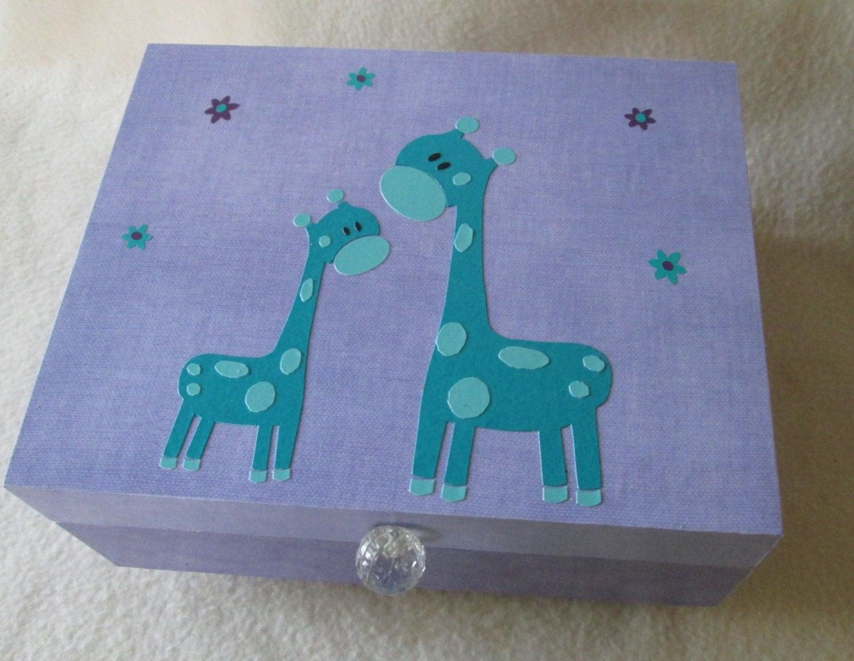 baby keepsake box baby memory box mama and baby giraffe. Black Bedroom Furniture Sets. Home Design Ideas