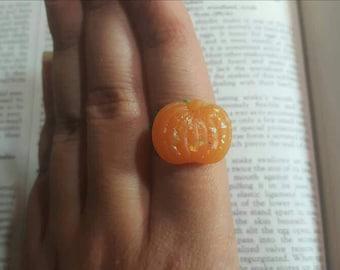 Sparkly Pumpkin Filigree Ring