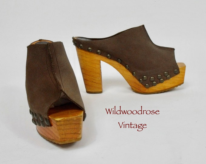 Vintage 1970's Wooden Platform Slides - Brown Suede Tall Wood Sole Platforms - 70's Boho Clogs - Hippie Summer Shoes - 5 Inch Heel - Size 8