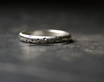 Moon Craters Ring - Little Sterling Silver Band
