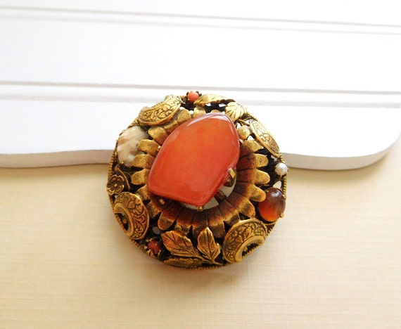 Vintage Carnelian Agate Coral Pearl Carved Cameo Gold Moon Leaf Brooch Pin LL47