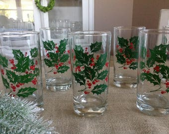Set of 7 Christmas Drinking Glasses with pretty Holly and Holly Berries