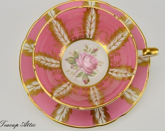Paragon Pink and White E176D Pattern Teacup and Saucer Gold Garland, English Bone China Teacup, Cabinet Teacup, ca. 1960-1963