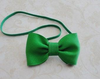 Small Emerald Green Bow Headband, Newborn Green Bow Headband, Christmas Green Bow Headband, Tiny Bowtie Headband, Petite Bow Headband