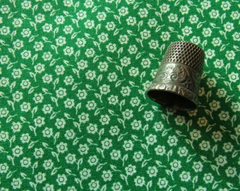 kelly green calico print vintage cotton fabric