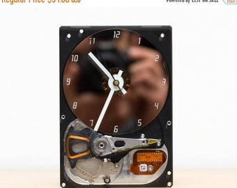 Desk clock - recycled Computer hard drive clock - HDD clock - gift for dad - unique gift for him - c5762