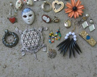 Small Destash of Vintage Jewelry Trinkets to Upcycle