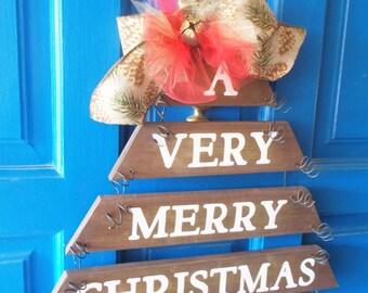 Christmas Door Hanger, Rustic Christmas, Plank Art, Christmas Wreath, Christmas Decor, Holiday Decor, Holiday Wall Decor, Holiday Sign,