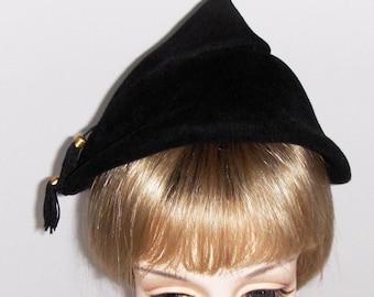 Vintage 1940's BLACK WOOL Felt HAT Pointy