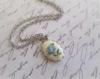 Vintage Blue Rose Necklace, Vintage Blue Flower Glass Cabochon, Lace Setting, 18 Inches, Silver, Delicate