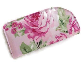 ReADY~to~SHiP~Padded Eyeglass, Sunglasses, Readers~Case/Cover in pink Bouquet of Roses~~READY~TO~SHIP