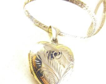Sterling Heart Locket Keepsake Specialty Sterling Chain Reads Best Friends Memento Photo Locket BOGO Sale