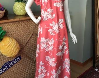 Adorable combed cotton Sun Fashions Honolulu, Hawaii muu muu / Hawaiian dress