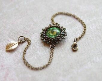 Green Swarovski crystal chain bracelet - Antique brass beaded bracelet