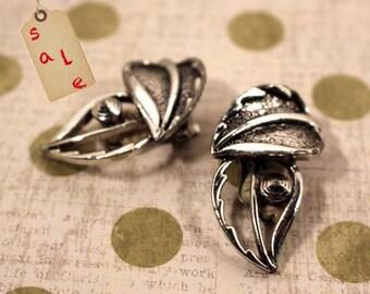 Leaf Earrings Sarah Coventry Windsong Silver Tone Clip Earrings - Vintage 1959