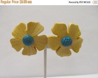 On Sale Retro Faux Wood Flower Earrings Item K # 1621
