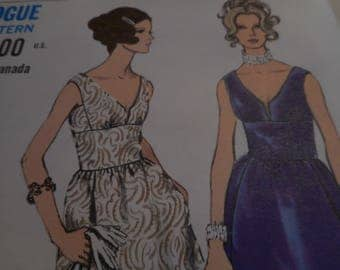 Vintage 1970's Vogue 7642 Dress Sewing Pattern, Size 12 Bust 34