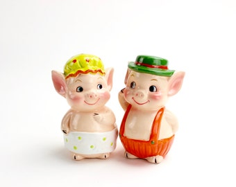 Vintage Pig Salt and Pepper Shakers, Pigs, Country Pigs, Collectible Pig Salt and Pepper, Piglets, Anthropomorphic Pigs, Kitsch Shakers
