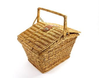 Vintage Wicker Picnic Basket, Basket with Lid, Picnic Hamper, Storage Basket, Basket with Strap, Basket Prop, Epsteam