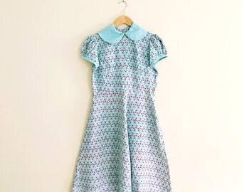 Vintage 40s Fish Print Dress with Peter Pan Collar / Sea Foam Green & Pink Tea Dress / Novelty Print  - 1940s