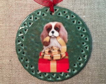 Cavalier King Charles Spaniel Christmas Ornament, The Blenheim CKCS Gift Unwrapper