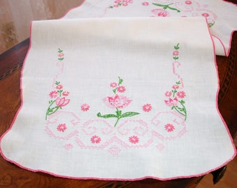 """Tablerunner, Dresser Scarf, French knot embroidery, Cross stitched embroidery, handmade, Dresser runner, pink and white, girls room, 26x13"""""""