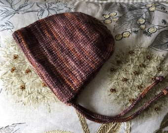 READY TO SHIP.Hand knitted baby bonnet. Hand knit hat. Knitted bonnet. Baby knits.